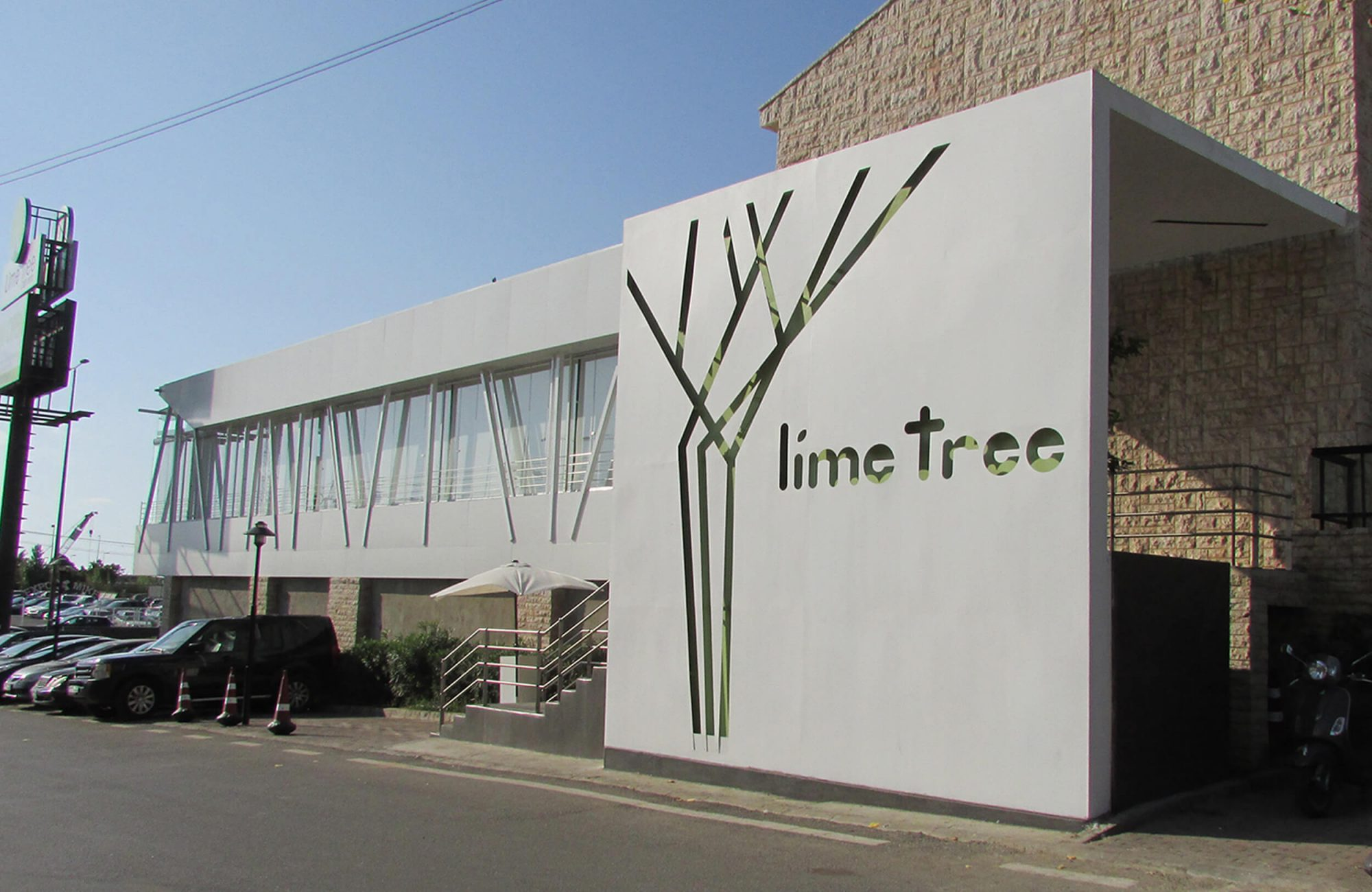 LIME TREE Restaurant